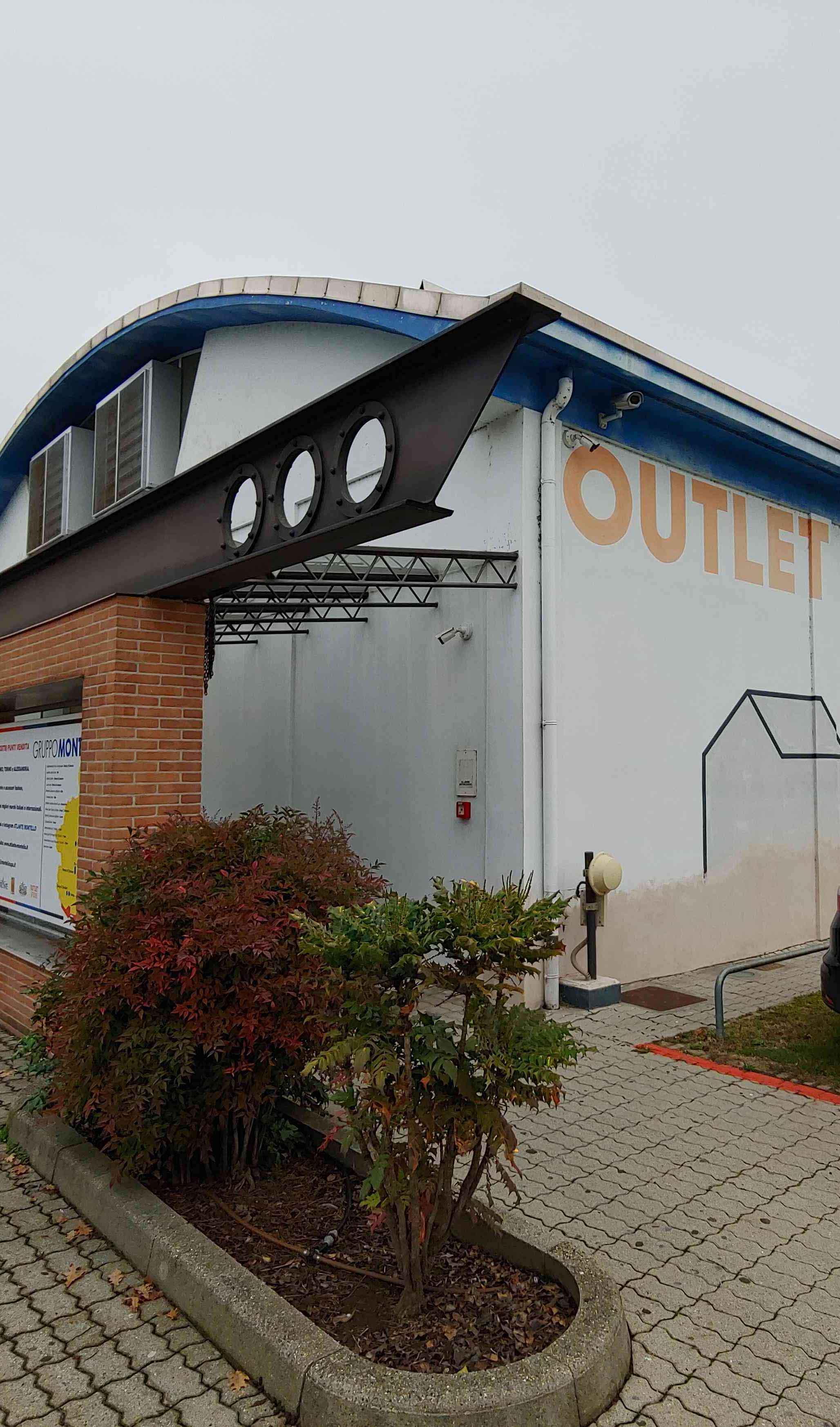 Outlet Store Roreto di Cherasco Esterno