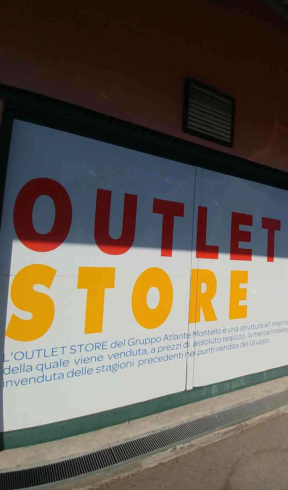 Outlet store Chieri esterno